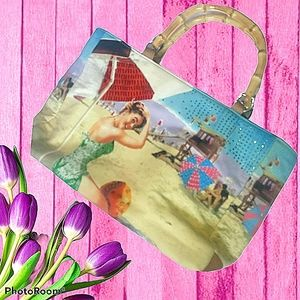 Vintage beach tote with bamboo handles with woman